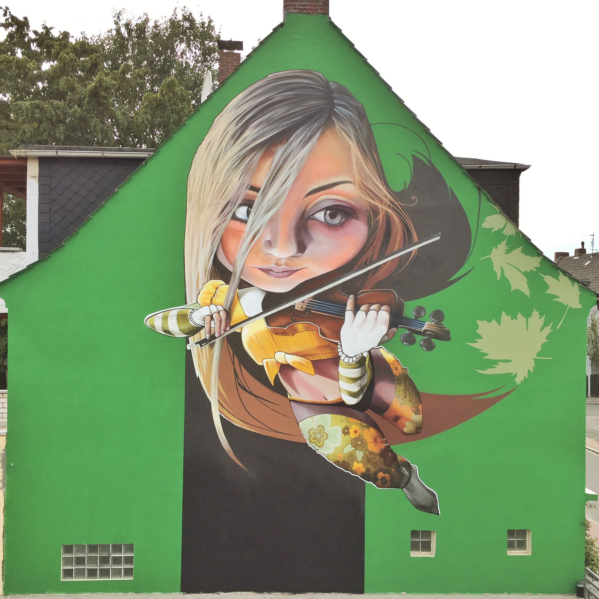 Girl With The Violin - Wilhemshaven (D)